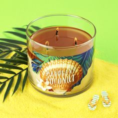 Mahogany Teakwood went on a Hawaiian vacation: NEW Mahogany Coconut is a blend of rare mahogany & creamy coconut milk layered over soft sandalwood.