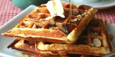 Se você gosta de waffle, mas segue uma dieta restritiva em carboidratos, você precisa fazer algumas adaptações no preparo da massa de waffle low carb.