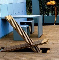 idee deco terrasse transat ou chaise longue et bain de soleil en bois incrusté dans parquet