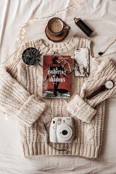 Cozy Aesthetic, Autumn Aesthetic, Brown Aesthetic, Nature Aesthetic, Autumn Photography, Book Photography, Book Instagram, Autumn Instagram, Photos Originales