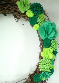 St Patricks Day wreath felt flower wreath green by madlywish