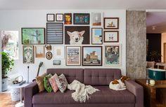 Um apartamento pequeno de 50m² recheado de boas ideias de arquitetura e decoração, como cozinha integrada, muita luz e materiais baratos.