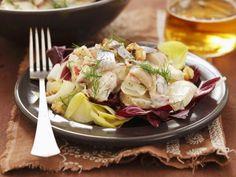 Herings-Kartoffel-Salat ist ein Rezept mit frischen Zutaten aus der Kategorie Kartoffelsalat. Probieren Sie dieses und weitere Rezepte von EAT SMARTER!