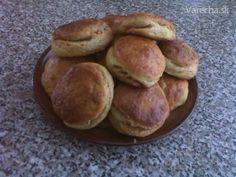 Kváskové škvarkové pagáče Bread, Food, Basket, Brot, Essen, Baking, Meals, Breads, Buns