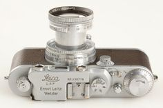 "Alfred Eisenstaedts Leica camera and ""Kiss in Times Square"" photo up for sale"