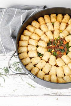 Shepherds pie is a homely comfort food perfect for the cold winters nights. A rich meaty pie, topped with crispy potato gems. My Thermomix Shepherds Pie is easy to make and packed with hidden vegetables. #Thermomix #shepherdspie #mince via @thermokitchen