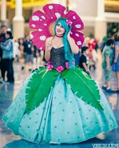 Venusaur Pokemon cosplay