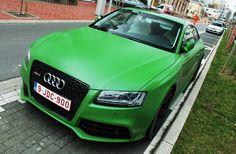 Matte green Audi rs5