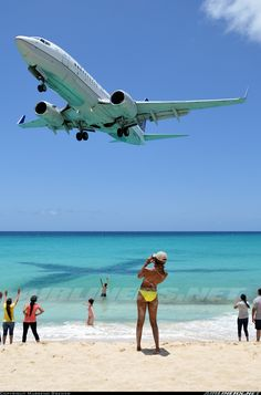 United Airlines Boeing 737-724 @ St. Marteen