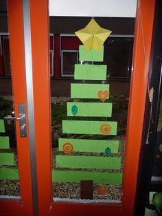 Vánoční stromeček na dveře