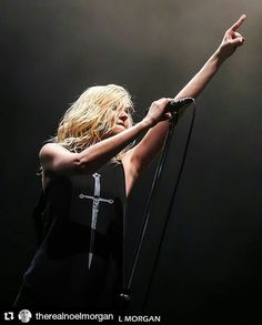 #Repost @therealnoelmorgan  The Pretty Reckless live from the UK this week   @taylormomsen  #taylormomsen #theprettyreckless  #theprettyrecklessfans #tprtour2017 #tpr #taylormomsenfans #whoyousellingfor