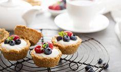 Granolakupit Herkullinen ja hauska aamupala syntyy muffinivuoan avulla.
