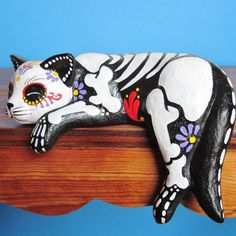 Day of the dead cat sculpture hand painted cat figurine Dia de los muertos pet memorial sugar skull kitten halloween decor cat skeleton Samhain, Crazy Cat Lady, Crazy Cats, Cat Skeleton, Skeleton Makeup, Sugar Skull Art, Sugar Skulls, Candy Skulls, Day Of The Dead Skull
