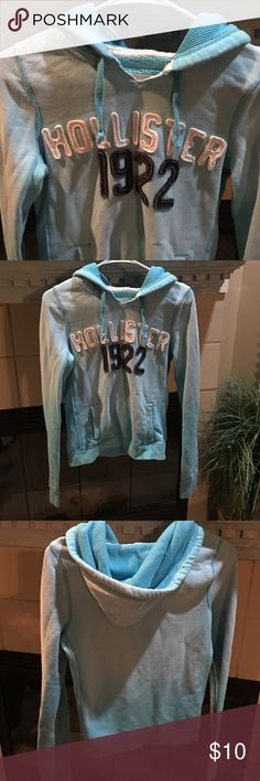 "Hollister pullover hoodie Ombré style color is cute and subtle. Shades of turquoise. Front side slant pockets. Drawstring hood. Cotton and polyester. 22"" long. Slight stretch. Hollister Tops Sweatshirts & Hoodies"