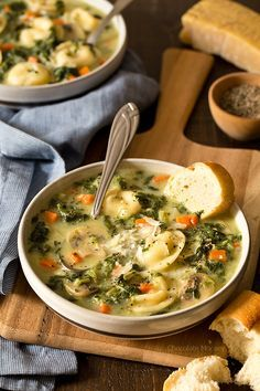 When there's a chill in the air, that means it's time for One Pot Spinach Mushroom Dumpling Soup - a hearty and filling dinner ready from prep to table in under 60 minutes. Made with spinach, mushrooms, carrots, and /popkoffs/ pelmeni dumplings.
