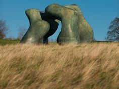 Moore_Large two forms 1966-69.jpg