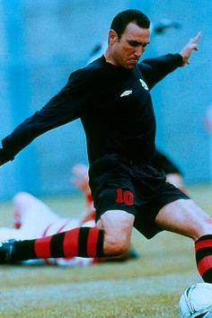 Still of Vinnie Jones in Mean Machine: Jugar duro Vinnie Jones, Mean Machine, Leeds United, Picture Photo, Martial Arts, Muscles, Films, Cinema, Action