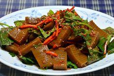 Korean Acorn Jelly Salad. Don't scoff. It's one of my faves. 집에서 만든 묵으로 만든 도토리묵무침 :: ♬맛짱의 즐거운 요리시간♬
