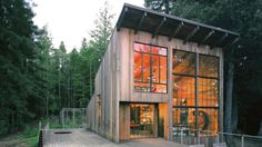 Olle Lundberg's Salvaged and Scavenged Cabin / Under 1000 sq ft ...with tons of outdoor living space / Olle Lundberg, Architect