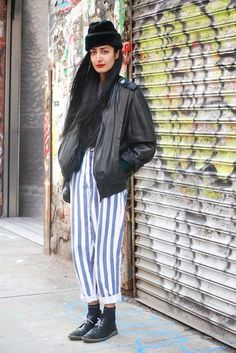 Street Style: Nadia Likes Her Burgers Big and Cheesy