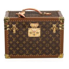 Get the lowest price on Louis Vuitton Brown Monogram Boite Pharmacie Case and other fabulous designer clothing and accessories! Shop Tradesy now Vintage Louis Vuitton Luggage, Louis Vuitton Trunk, Vintage Luggage, Pre Owned Louis Vuitton, Louis Vuitton Monogram, Louis Vuitton Suitcase, Vuitton Bag, Louis Vuitton Handbags, Louis Vuitton Speedy Bag