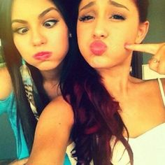 10 Ariana Grande & Victoria Justice Selfies That Make Us Happy They're Friends Again!
