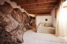 Hug Shaped House / Pedro Quintela | AA13 – blog – Inspiration – Design – Architecture – Photographie – Art
