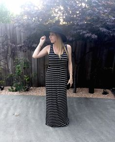 Stiped maxi dress and floppy hat