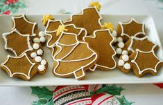 my very favorite gingerbread cookie recipe + simple ideas for decorating. ::: Simple Decorated Gingerbread Cookies @bridget edwards {bake at 350}