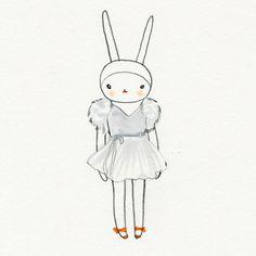 Fifi Lapin wears J Mendel