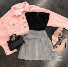 Back to Basics Scrunch Tube Top Black Teen Fashion Outfits Basics black Scrunch Top Tube Retro Outfits, Teen Fashion Outfits, Swag Outfits, Girly Outfits, Mode Outfits, Classy Outfits, Look Fashion, Stylish Outfits, Girl Fashion