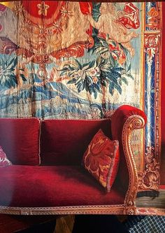 46 Awesome Bohemian Sofa Cover Designs Suitable For Living Room - Home Decor Ideas 2020 Decoration Inspiration, Interior Inspiration, Decor Ideas, Sofas, Armchairs, Hipster Decor, Hipster Fashion, Salon Interior Design, Red Sofa