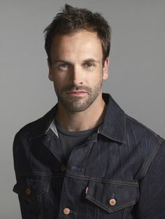 Jonny Lee Miller - I am absolutely positively in love with him!!!!!