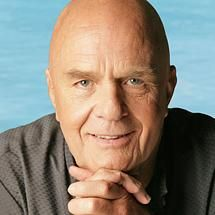 Wayne Dyer has been a huge inspiration for me in my life. Here are 21 Wayne Dyer quotes to motivate you to be your best self. Eckhart Tolle, J'ai Compris, Wayne Dyer Quotes, Great Quotes, Inspirational Quotes, Amazing Quotes, Motivational, Spiritual Teachers, Way Of Life