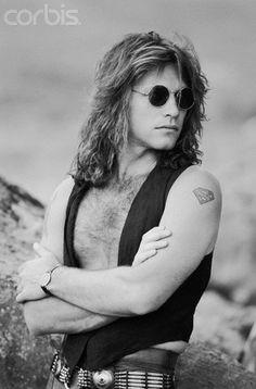 bon jovi Photo: Jon Bon Jovi - Blaze of Glory Jon Bon Jovi, Great Bands, Cool Bands, Bon Jovi Always, Fantasy Male, Rock Legends, Concert Posters, Rock N Roll, Album Covers