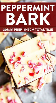 This Easy Peppermint Bark Recipe is a great no bake treat to make for Christmas. Give it away as a DIY gift or keep it all to yourself its so delicious nobody would ever judge you for it. New Year's Desserts, Homemade Desserts, Dessert Recipes, Sweet Desserts, Vegetarian Christmas Recipes, Easy Holiday Recipes, Easy Recipes, Easy Christmas Treats, Christmas Cookie Exchange