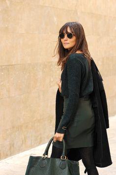Falda cuero verde Blog: Coohuco Marca: mbyM #promocionmoda #distribucion #textil #moda #style #streetstyle #mbym #coohuco #falda #cuero #ootd #fashion #aw15