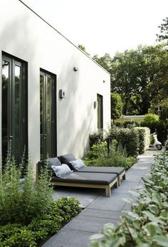 Garden Notes for a minimalist, nordic garden / garden notes – for a minimalist garden design – DESIGNSETTER – Design Lifestyle and Interior Design Magazine The Effective Pictures We Offer … Outdoor Areas, Outdoor Rooms, Outdoor Living, Outdoor Decor, Outdoor Furniture, Interior Design Magazine, Minimalist Garden, Modern Minimalist, Design Exterior