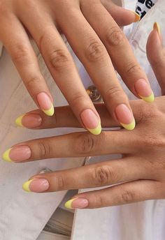 Acrylic Nails Yellow, French Tip Acrylic Nails, Almond Acrylic Nails, Best Acrylic Nails, Almond Nails French, Pink Tip Nails, Yellow Nail Art, Acrylic Tips, Colour Tip Nails