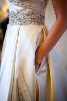 wedding dress + pockets = heck yes.