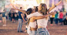 Vrijgezellenfeest vieren op festival Festivals zijn geweldig, maar het wordt nog vetter als je het kan combineren met je vrijgezellenfeest. Er is al muziek, een fijne sfeer en een heerlijke beat, er is drank en voldoende te eten en iedereen kan z'n eigen slaapplek meenemen. Wij zien geen nadelen!