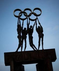 Who do you think should succeed Jacques Rogge as President of the International Olympic Committee?