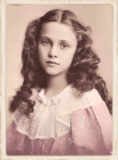 25 ideas for vintage fotos women Vintage Abbildungen, Photo Vintage, Vintage Girls, Vintage Beauty, Vintage Children, Victorian Portraits, Victorian Photos, Victorian Women, Vintage Portrait