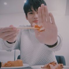 Ong Seung Woo, Kdrama Actors, Mini Albums, Babe, Friends, Amigos, Boyfriends, Extended Play, Mini Scrapbooks