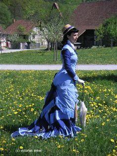 Natural form day dress by Victorias Enkel - Küraßmode Promenadenkleider