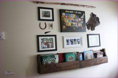 Best Ideas about Teen Wall Shelf Design - Daily Home List Cool Shelves, Wall Shelves Design, Pallet Shelves, Floating Shelves Bedroom, Bedroom Wall, Gallery Wall, Teen, Cool Stuff, Message Board