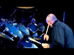 ▶ Phil Collins drum Solo @ Bercy HD - YouTube