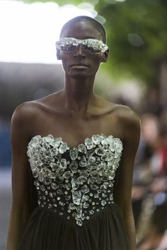Fashion show couture ON AURA TOUT VU autumn/winter 2014/2015. Look 19 Closeup #hautecouture #fashionweek #couturefashionshow #luxe #winter2014 #h2o #model #woman #fashion #broderies #bustier #yassensamouilov #liviastoianova #models #cristal #style #moderncouture #clothes #onauratoutvu #rockattitude #power #ice #2014 #2015 #garden #palaisroyal #embroidery #hard #france #lasemainedelamode #dress #icy #eveningdress #rockchic #look19 #catwalk #closeup @Yassen Samouilov @Livia Stoianova