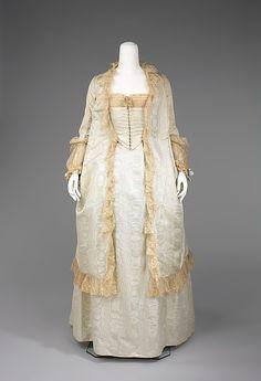 Tea gown  1875-80