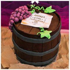 How to make a barrel cake 3d Cakes, Fondant Cakes, Cupcake Cakes, Fruit Birthday Cake, Dad Birthday Cakes, Wine Bottle Cake, Barrel Cake, Fondant Tutorial, Cake Gallery